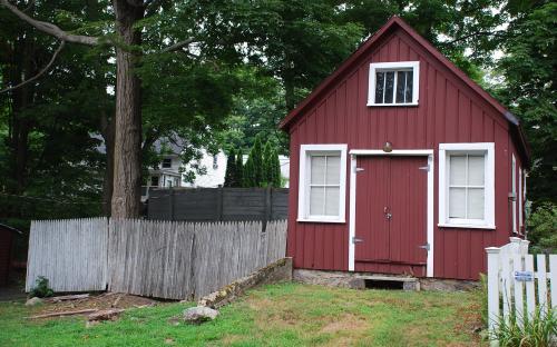 Small barn of 1-3 Marlan St