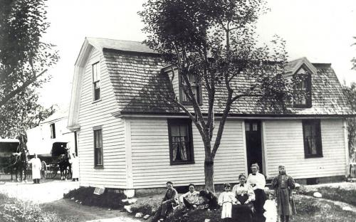 Hutcheson family in front of home circa 1900