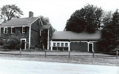 127 River Rd - 1975 with former ice cream stand wing