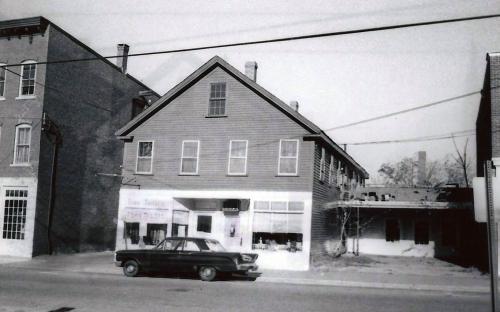 18 Park St. 1977