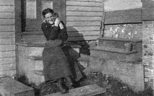 Mary Findley with cat