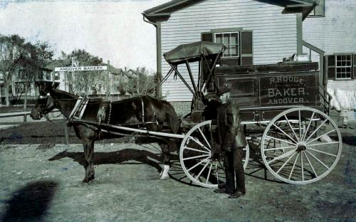 Rober Hodge with delivery wagon - Note houses at 66 & 68 Park St.