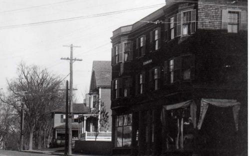 CIrac 1900 - McLawlin house beyond Elm Block