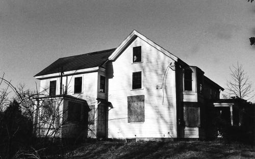 87 River Rd - SW corner - 2/25/1980