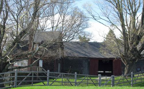 barn and carriage house