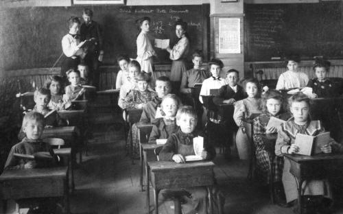 Brodlee classroom 1904