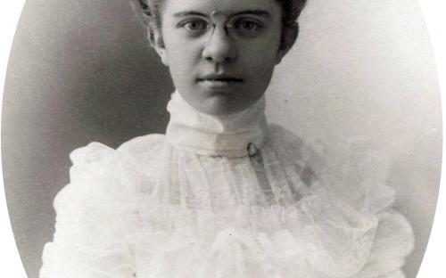 Edith M. Tyer circa 1898 dau. of H.H. & Catherine Tyer
