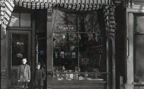 Metropolitan Store, with Dalton boys in front circa 1912