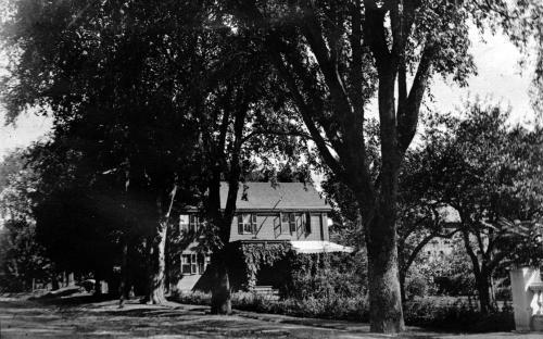 Donald house facing south circa 1910