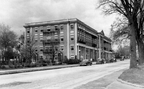Circal 1940 - The Aberdeen - Merchants Building