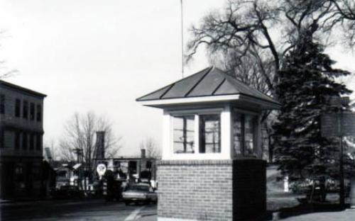 Policeman Control Booth Kiosk 1965