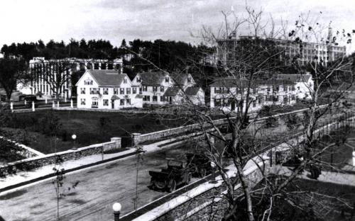 1921, houses on the Administration Building site.