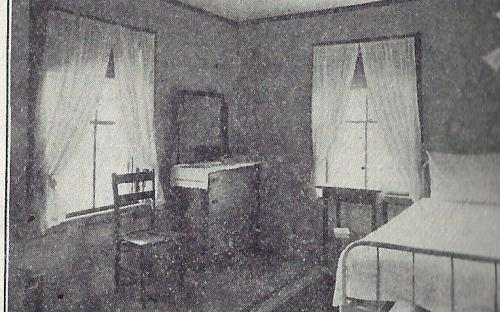 Single Bed Room 1912