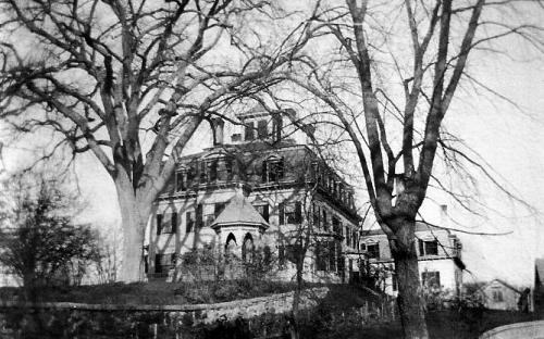 Smith Mansion circa 1900 view from Havehill St. river below on right
