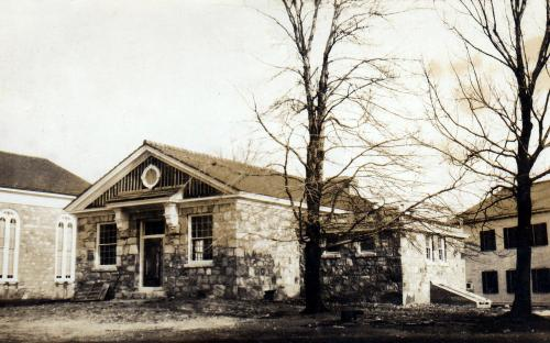 1927 Vestry with Andover Grange behind