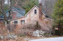 47 Rattlesnake Hill Rd -South view